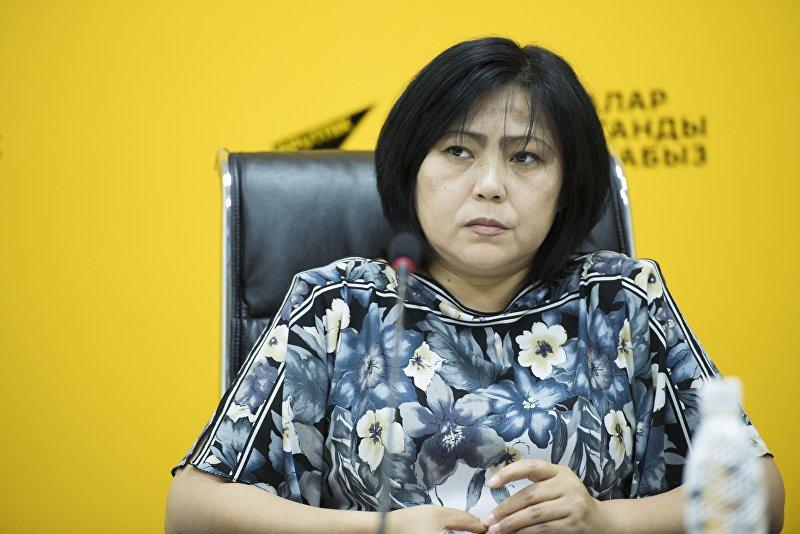 Коррекционный психолог Эльмира Исаева во время видеомоста в мультимедийном пресс-центре Sputnik Кыргызстан