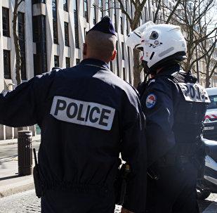 Францияда полиция кызматкери. Архивдик сурөт
