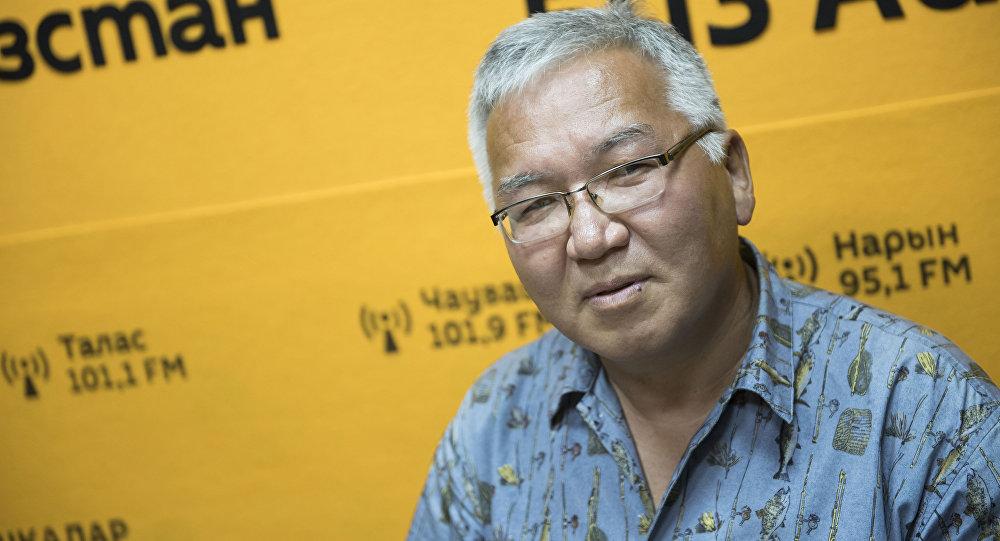 Кыргызский политолог Марс Сариев во время интервью Sputnik Кыргызстан