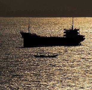 Корабль в море. Архивное фото