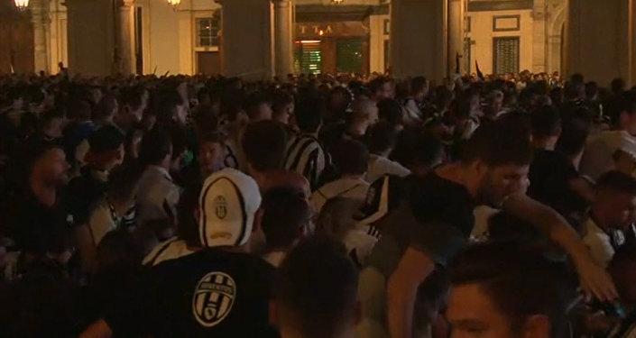 В Турине при давке пострадали 1400 человек, 8 — в тяжелом состоянии
