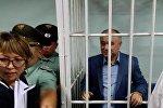 Лидер партии Ата Мекен Омурбек Текебаев в Первомайском районном суде Бишкека. Архивное фото
