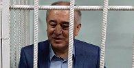 Лидер партии Ата Мекен Омурбек Текебаев в Первомайском районном суде Бишкека на судебном процессе
