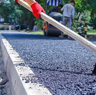 Во время ремонтных работ тротуаров. Архивное фото