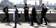 Полицейский на Лондонском мосту после нападения в центре Лондона. Архивное фото