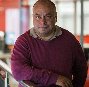 Спортивный обозреватель и колумнист Sputnik Олег Дмитриев