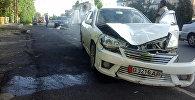 Автомобиль на котором был совершен наезд на женщину на улице Масалиева в Оше