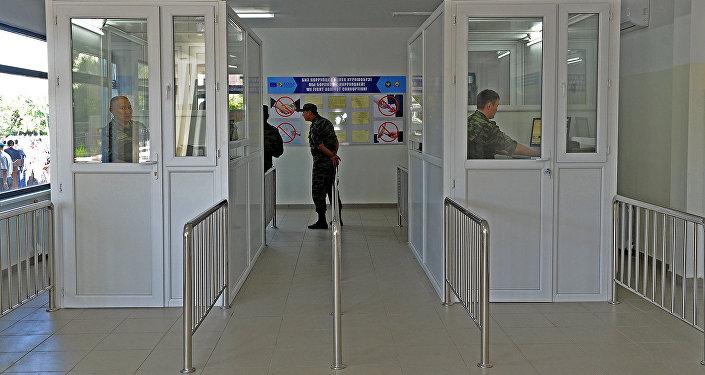 КПП Кен-Булун-автодорожный на участке кыргызско-казахской границы в Чуйской области. Архивное фото