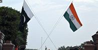 Флаги Индии и Пакистана. Архивное фото