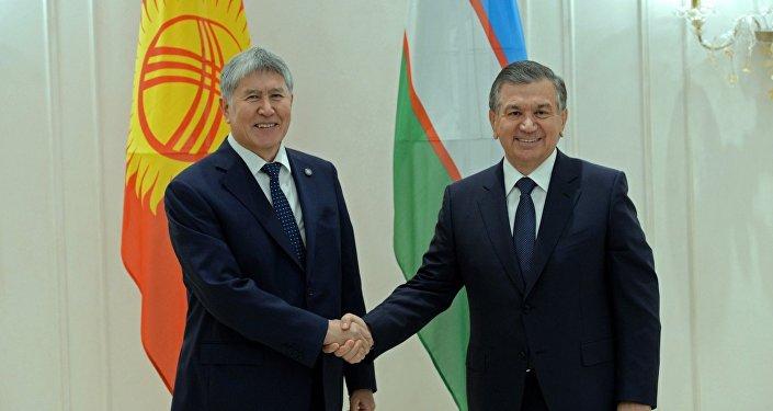 Двусторонняя встреча президента КР Алмазбека Атамбаева и Узбекистана Шавката Мирзиёева в Астане