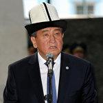 Калпакчан президент Сооронбай Жээнбеков