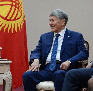 Президент Алмазбек Атамбаев ишемби күнү Чехиянын өлкө башчысы Милош Земан менен жолукту
