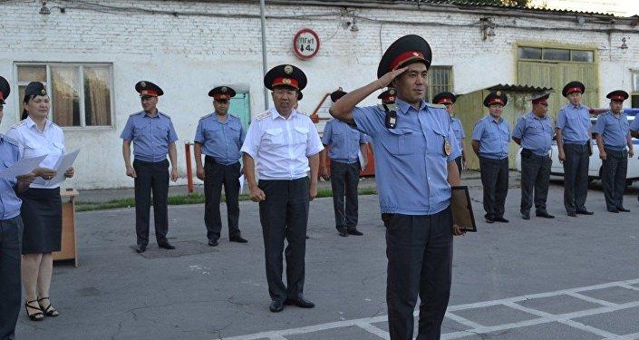 Награждение отличившихся сотрудников патрульной милиции