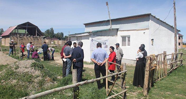 Финляндиянын Астана шаарында жайгашкан элчилиги Ысык-Көл облусунда аз камсыз болгон 9 бүлөнүн  үйүн акысыз жылуулап берди