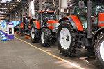 Трактор заводу. Архив