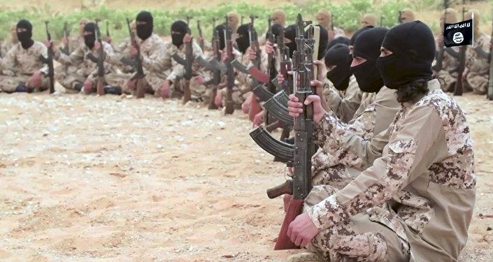 Боевики террористической организации Исламское государство. Архивное фото