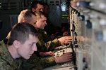 Военнослужащие зенитного ракетного полка во время двусторонних учений войск ПВО. Архивное фото