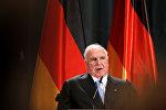 Архивное фото бывшего канцлера Германии Гельмута Коля
