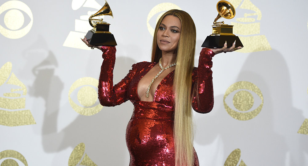 Американская певица Бейонсе на ежегодной церемонии вручения награды Гремми в Лос-Анджелесе