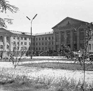 И.Раззаков атындагы кыргыз мамлекеттик техникалык университетинин имараты