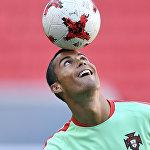 Португальский нападающий Криштиану Роналду