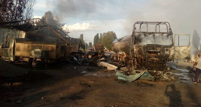 Из-за взрыва газовых баллонов сгорело несколько автомобилей