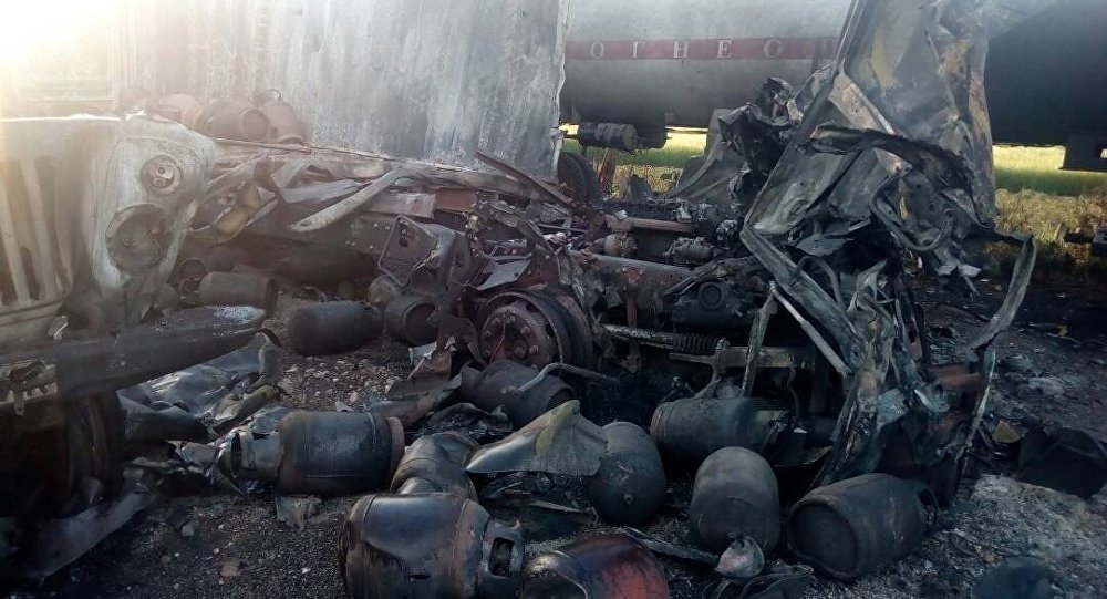 Последствия взрыва газовых балонов в автозаправочной станции в Иссык-Кульской области