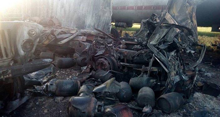 Как следствие вспыхнул пожар, унесший жизни двух человек — отца и сына, пострадали восемь человек