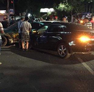 В центре столицы столкнулись сразу четыре автомобиля