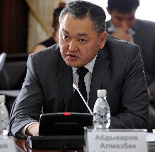 Архитектура, курулуш жана турак жай коммуналдык чарбасы боюнча мамлекеттик агенттигинин жетекчисинин орун басары Алмазбек Абдыкаров