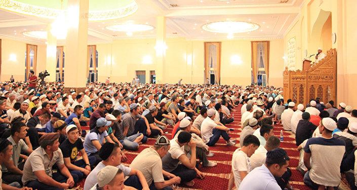 Орозо айт в Кыргызстане будет праздноваться 25 июня.