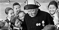Архивное фото манасчи Саякбая Каралаева