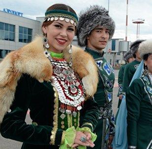 Президент КР Алмазбек Атамбаев, в рамках государственного визита в Российскую Федерацию прибыл в город Уфу Республики Башкортостан
