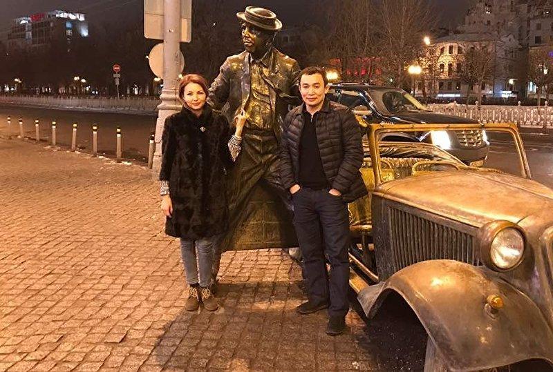 Серебряный призер Олимпийских игр в Пекине Канатбек Бегалиев с супругой
