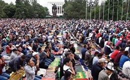 Заполненная людьми площадь и обращение к Всевышнему — Айт-намаз в Бишкеке