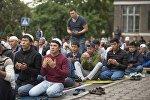Айт намазга келген мусулмандар. Архивдик сүрөт