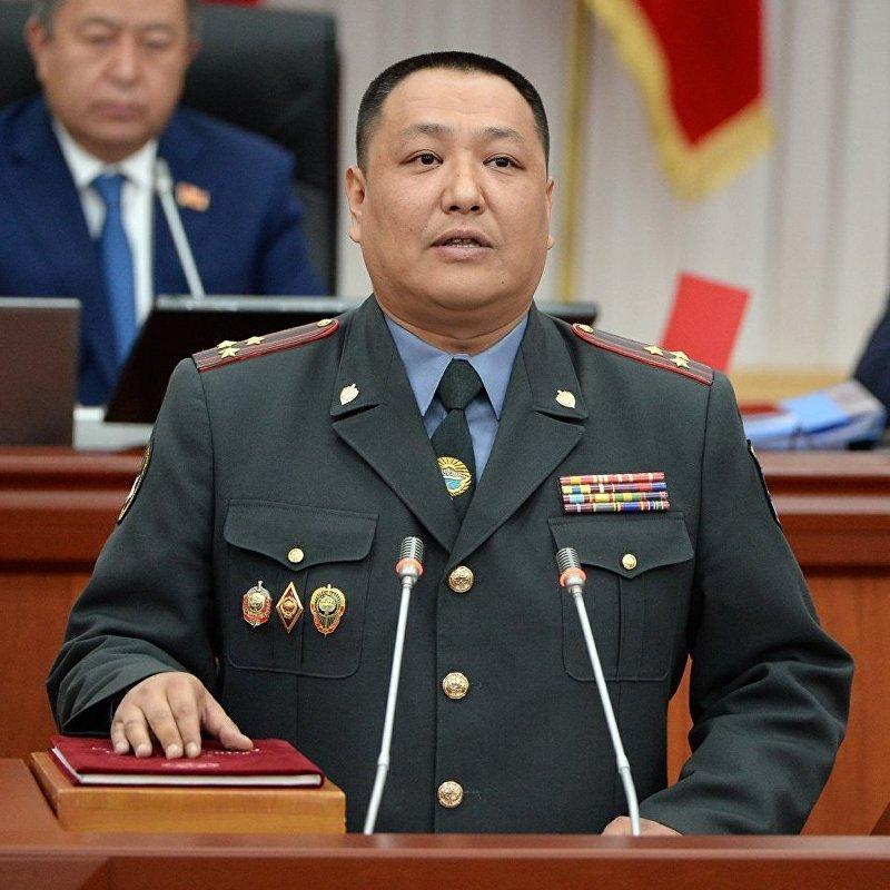 Министр внутренних дел Кыргызской Республики Улан Исраилов во время принесения присяги перед народом, депутатами и президентом в Жогорку Кенеше.