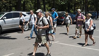 Туристы в Бишкеке. Архивное фото