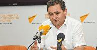 Эксперт в области образования Этибар Алиев