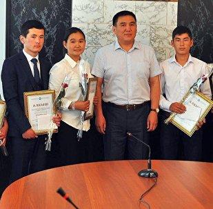 Мектеп окуучулары арасындагы республикалык олимпиадада Ош облусунун сегиз окуучусу алдыңкы орундарды ээледи