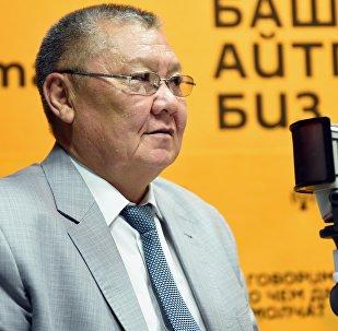 Кыргызстандын акыйкатчылыгына шайланган Токон Мамытовдун архивдик сүрөтү