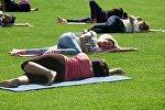 В Оше прошел флешмоб по случаю Всемирного дня йоги