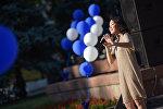 Бишкектин Свердлов районунда жайгашкан Токтогул Сатылгановдун эстелигинин жанында асман алдындагы музыкалык кеченин жыйынтыктоочу бөлүгү болуп өттү
