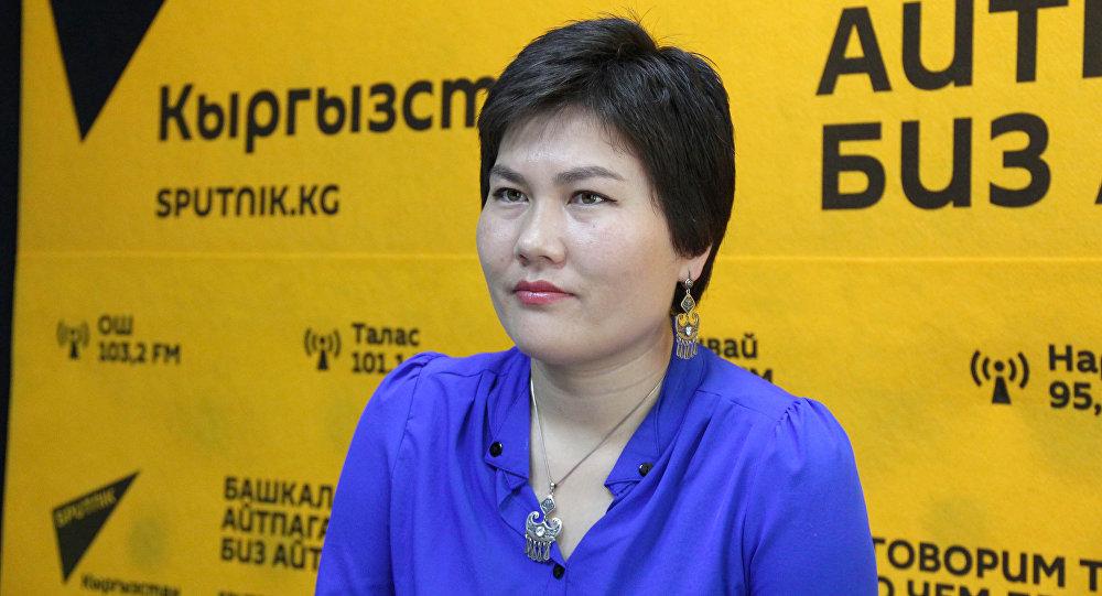 Кытайлык кыргыз, ырчы Таңнуру Мухаммет маек учурунда