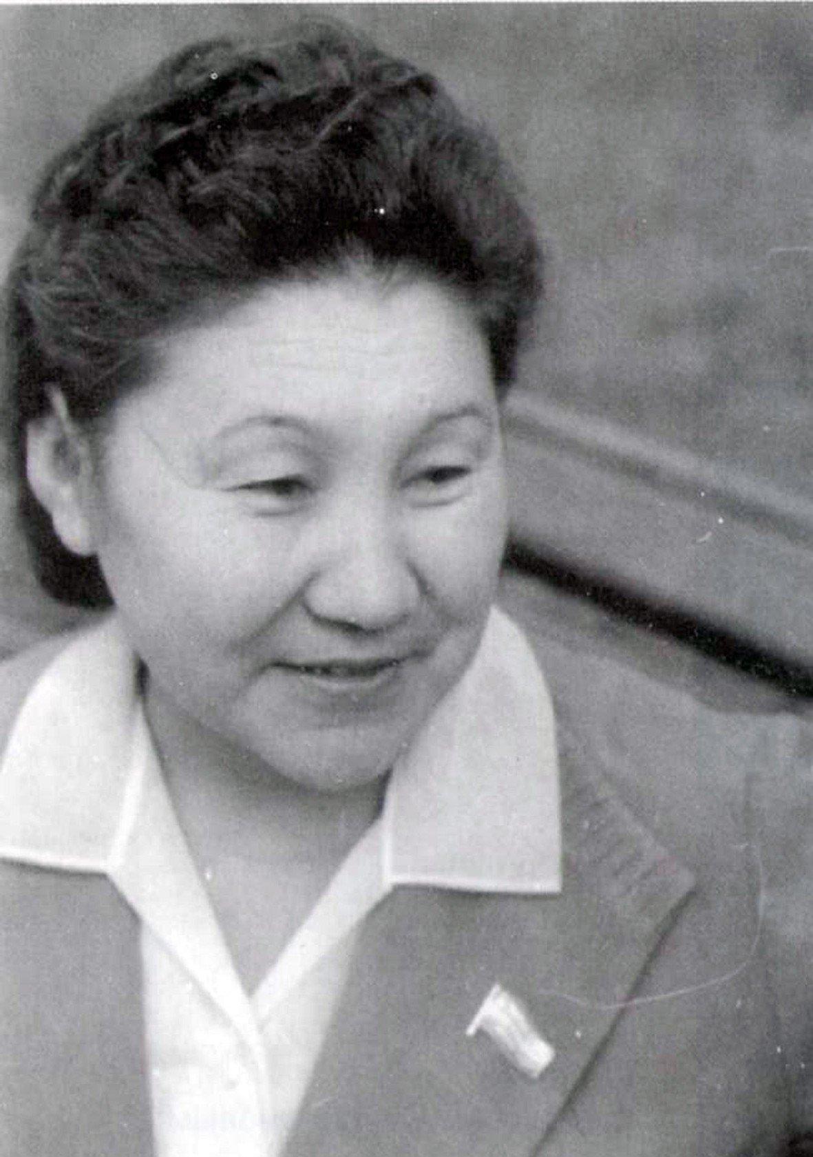 Первая женщина-хирург и первая женщина-академик в Центральной Азии Какиш Рыскулова