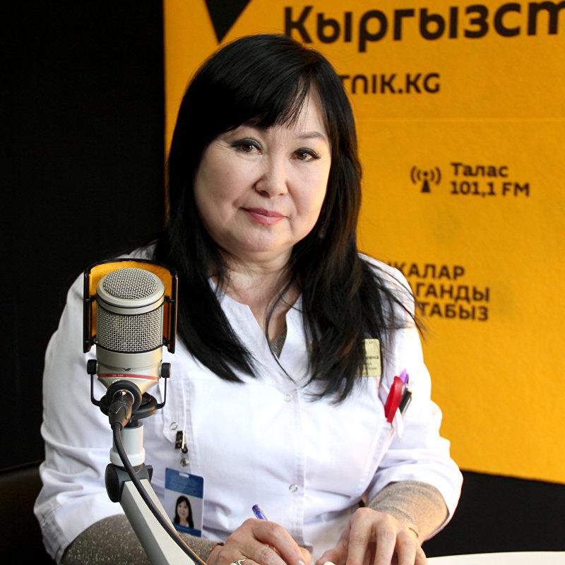 Офтальмолог глазной микрохирургии национального госпиталя, кандидат медицинских наук Бактыгуль Мамытова во время интервью Sputnik Кыргызстан