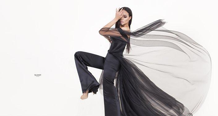 Кыргызстанский дизайнер одежды Арзубек Аманов