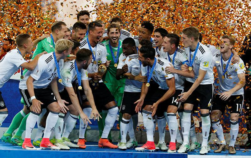 Сборная Германии обыграла команду Чили в финале Кубка конфедераций прошедшем в Санкт Петербурге в воскресенье. Единственный гол на 20-й