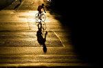 Велосипедчен адамдын архивдик сүрөтү