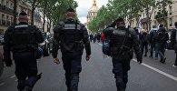 Сотрудники правоохранительных органов Парижа. Архивное фото